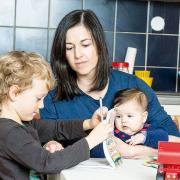 Familienhilfe - Mutter mit Kindern